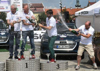 Festa-sul-podio-dellEco-Rally-di-Boemia